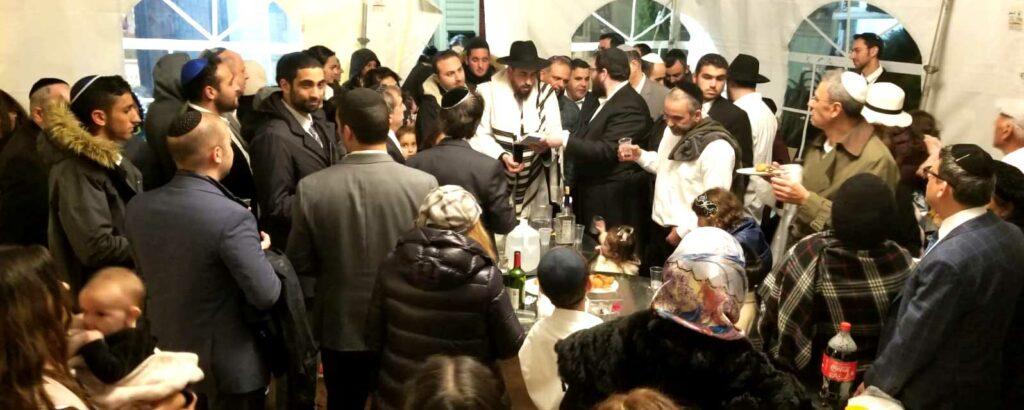 Rabbi Aber Saying Havdalah with Community